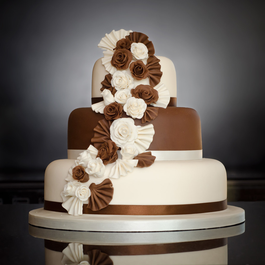 2 tier chocolate wedding cake recipe three tier chocolate wedding cake mrs mac has 10119