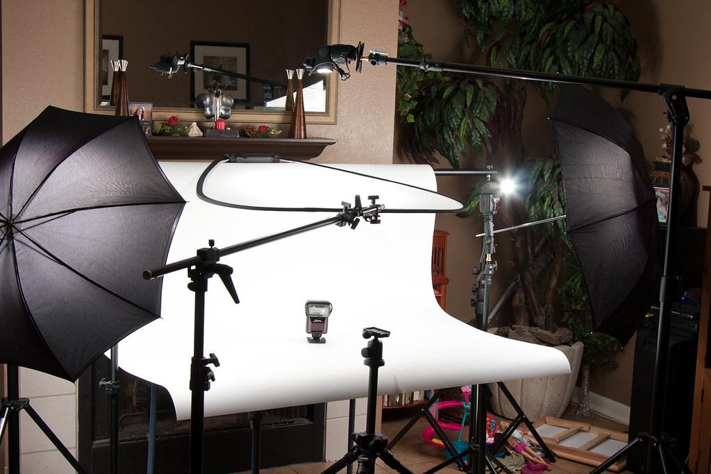 how to make table r studio