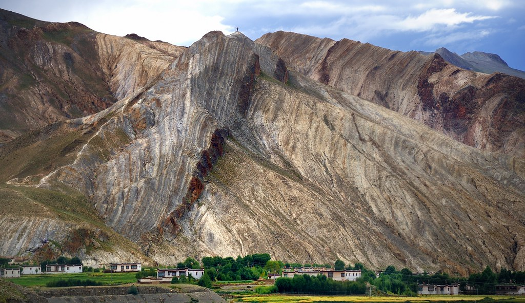Vertical Rock Layers On The Tibetan Plateau Like To See
