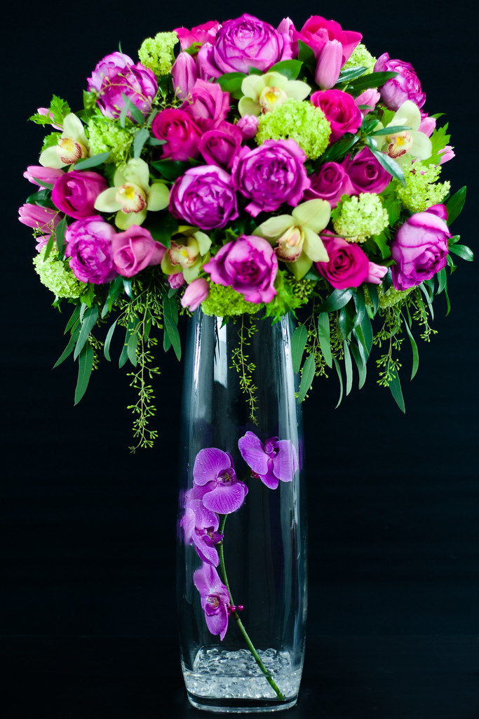 Img facebook twitter floral arrangement