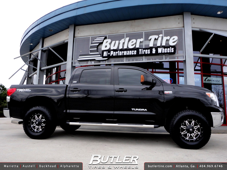 Toyota Tundra With 18in Fuel Hostage Wheels And 3in Toytec