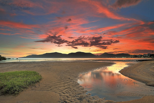 Red Clouds-Trinity Inlet,Cairns | by forurglory