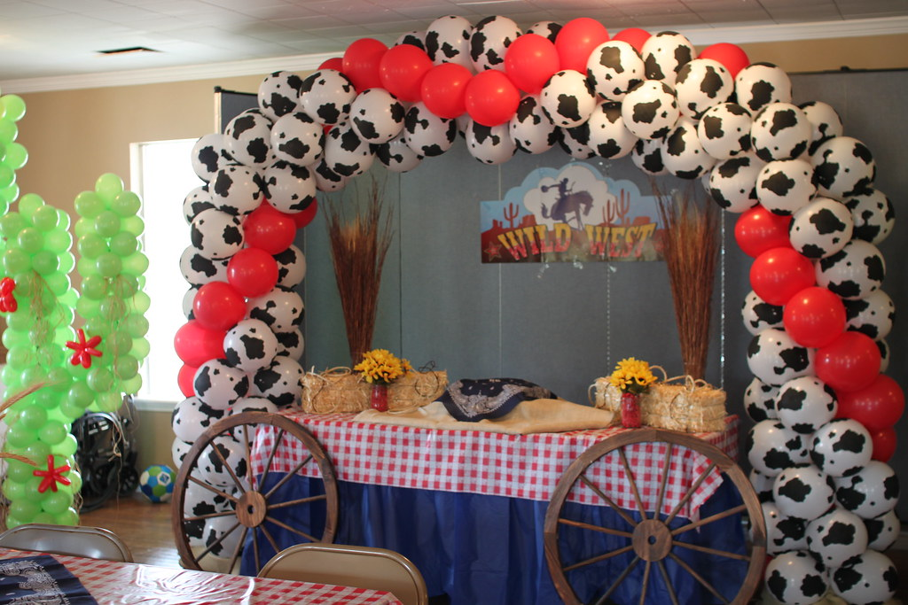 Balloon Arch Western Theme | Glenda Ellington | Flickr