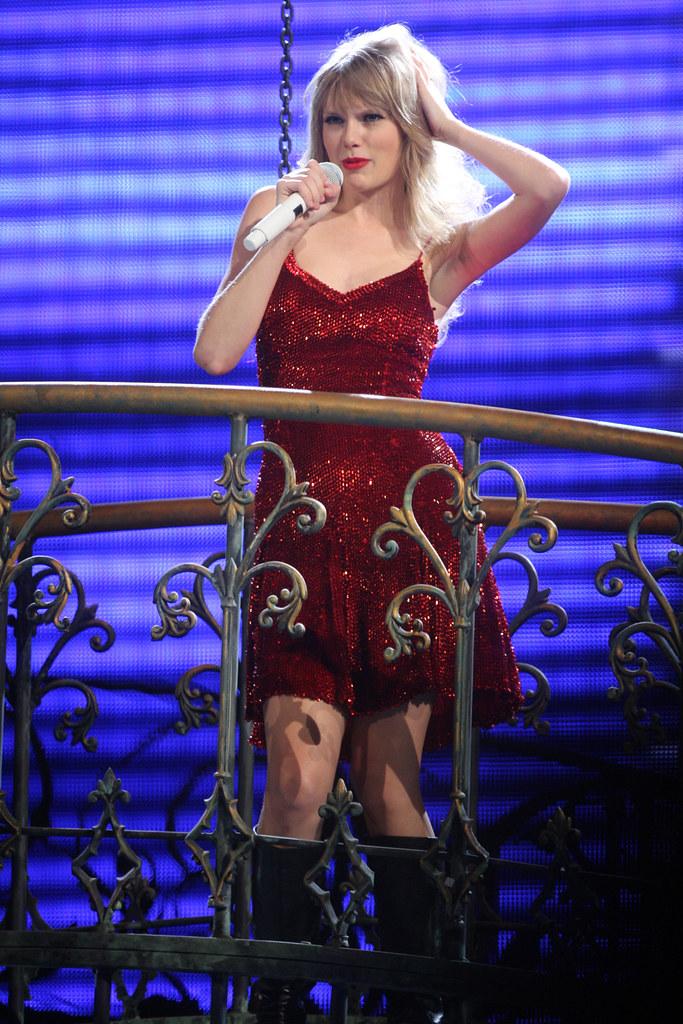 Taylor Swift Speak Now Tour | Taylor Swift Speak Now Tour ...