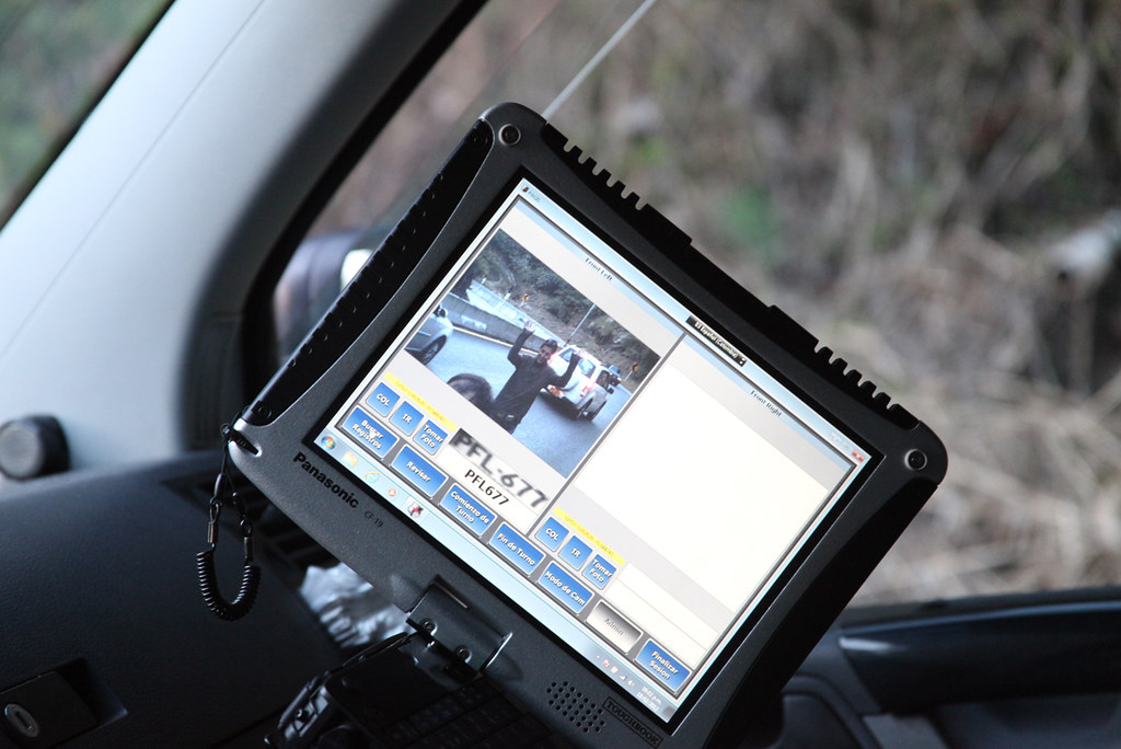 La polic a nacional de colombia usa dispositivos de ltima flickr for Ministerio policia nacional
