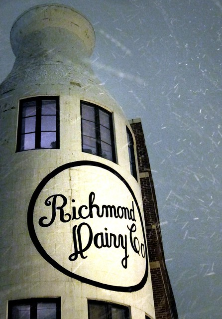 richmond dairy falling snow flickr photo sharing