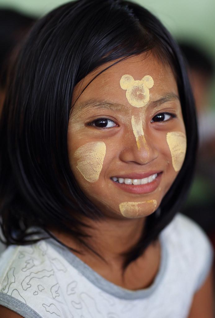 Myanmar Burma  Beautiful Girl With Thanaka In A Primary -3677