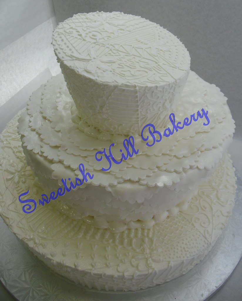 wedding cake to feed 150 lace wonky wedding cake cake to serve 150 26286
