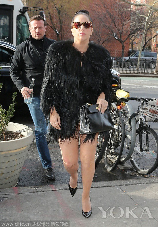 Local time on January 26, 2015, New York, Lady Gaga go to yoga class