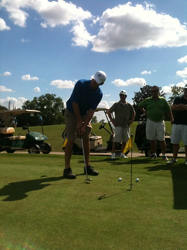 Major League Golf Scramble participant in Putting Contest | by Catch Central Florida