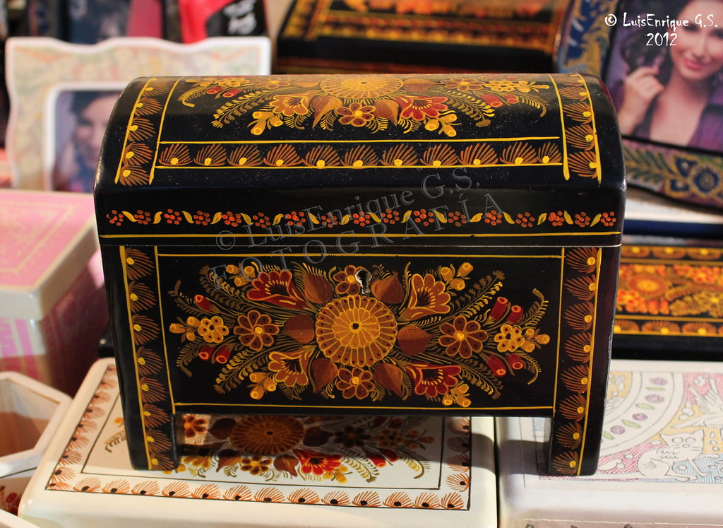 Caja Decorativa Dorada