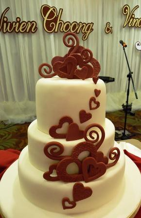 vivien and vincents wedding cake at tropicana ballroom i