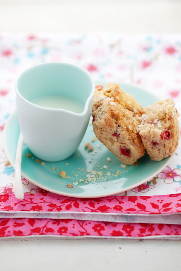 strawberry and quinoa scones | days of strawberry fields ...