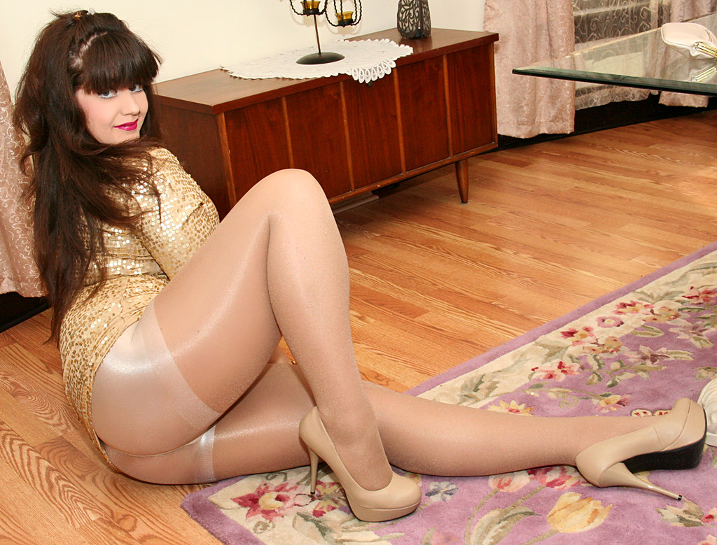 New Pantyhose Pics Pictures From 95