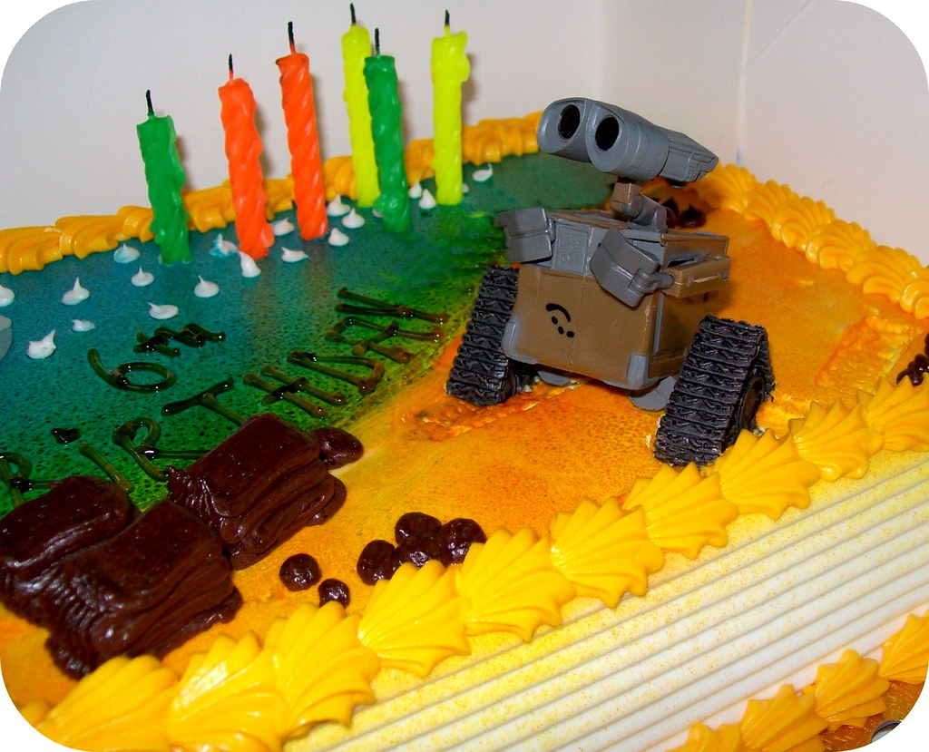 A Fun Wall-E Cake For My Little Guy