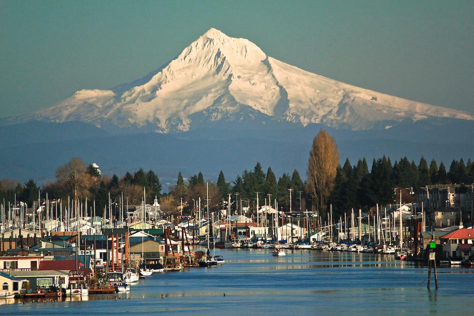 Mt. Hood from Hayden Island | Majestic Mt. Hood as a ...