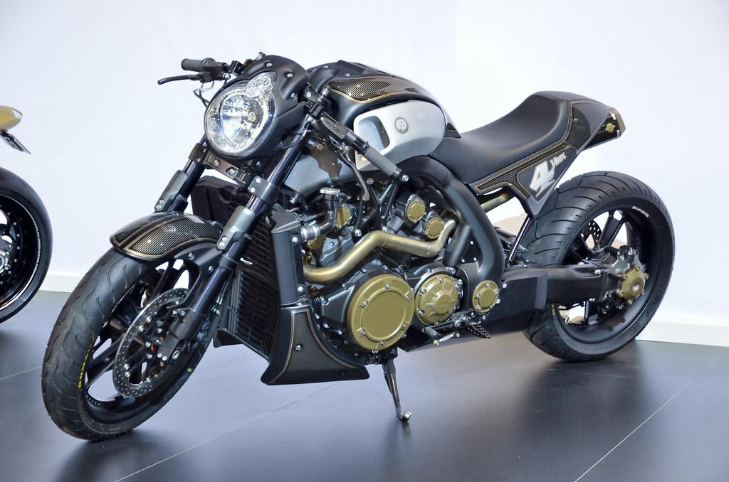 T Yamaha