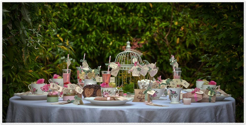 Table setting outdoor tea party pink theme Backyard party table settings
