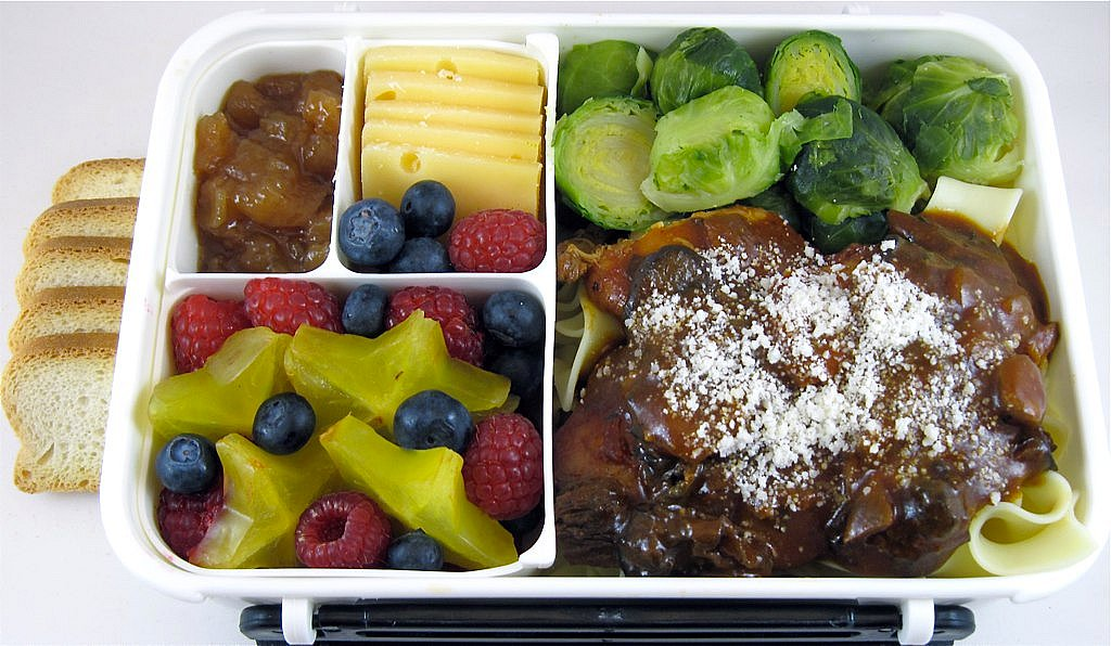 Chicken Merlot with Mushrooms Bento | Chicken Merlot with ...
