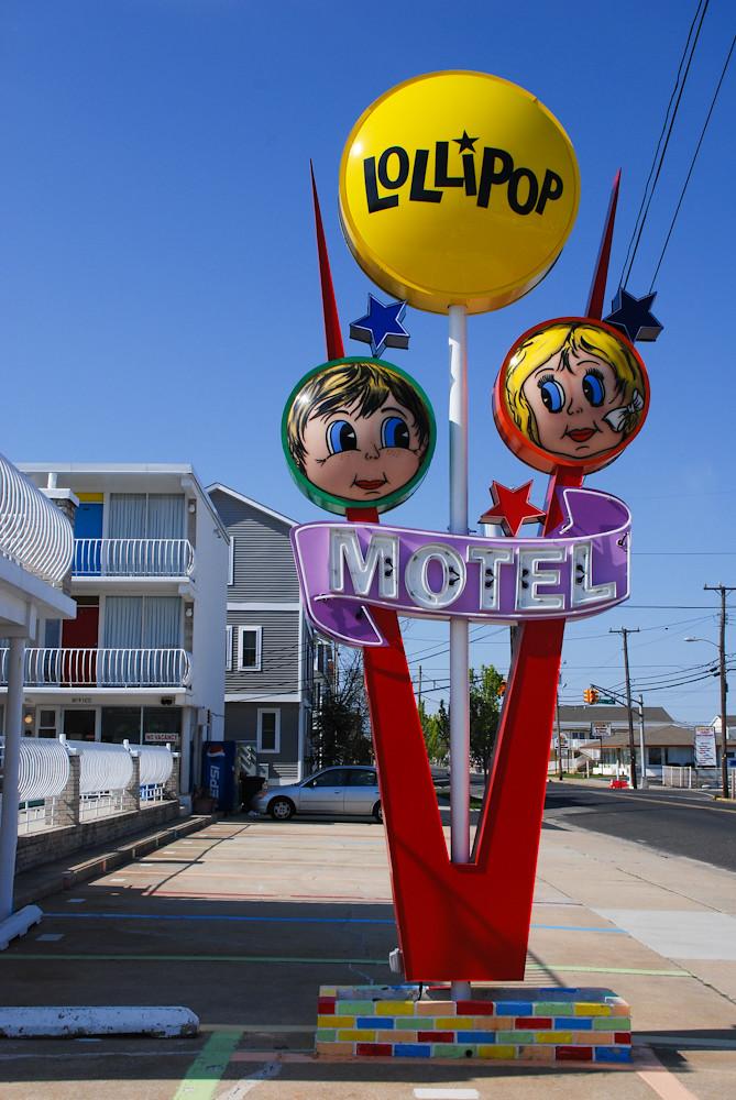 Lollipop Motel, North ...