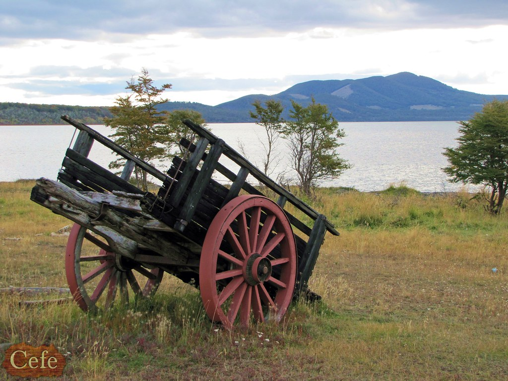 Carreta foto tomada en cercan as del lago chepelmut for Carretas de madera para jardin