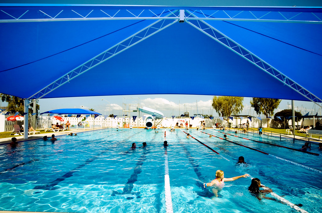 Manly pool 25 metre outdoor pool with shade brisbane - Brisbane city council swimming pools ...