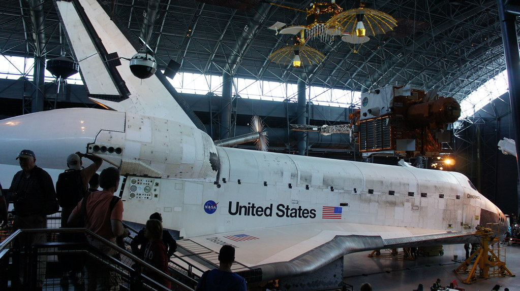 Space Shuttle Discovery at Udvar-Hazy Center | brownpau ...