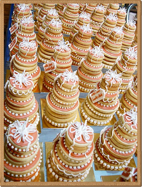 stacked wedding cake cookie favors stacked cookie wedding mini cake favors christies 20462