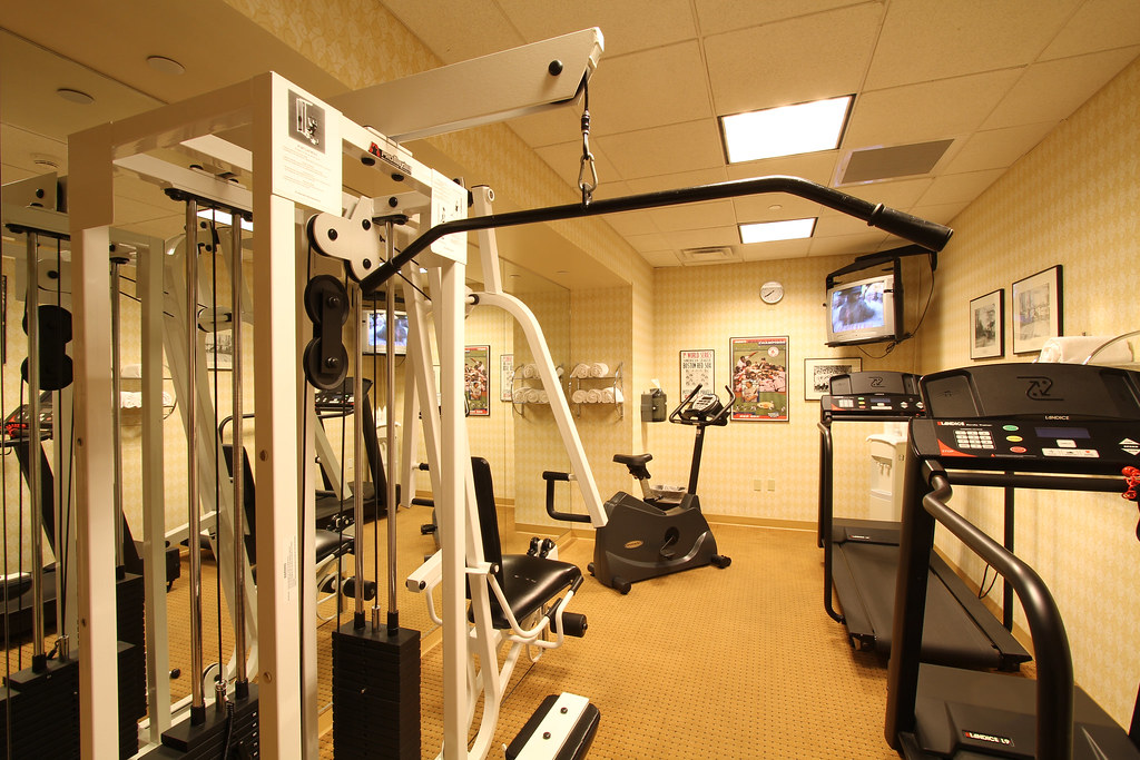 Fitness room hotel offers to remain fit in