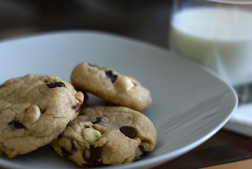 White chocolate and Semi-sweet chocolate chip cookies! | by TheOvenMitt