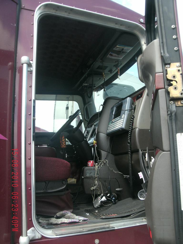 Kenworth T600 Interior