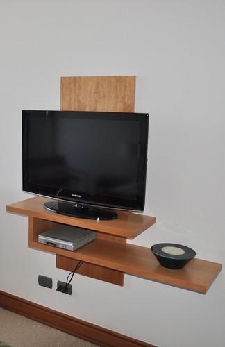 Mueble tv soporte para televisi n fijo al muro armado for Mueble de 5 repisas