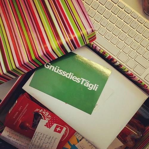 Tienduizend voor post rechtstreeks en persoonlijk gebracht vanuit Zwitserland! #nowords #bestpresentever #enikweetnognieteenswaterallemaalinzit