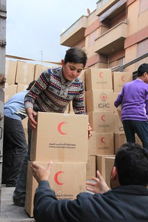 Red Cross / Red Crescent food parcels arrive in Homs, Syria | by British Red Cross.