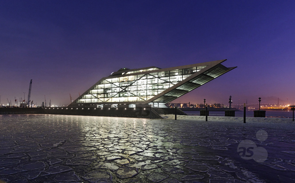 Dockland, Hamburg, Germany | Dockland office building with ...