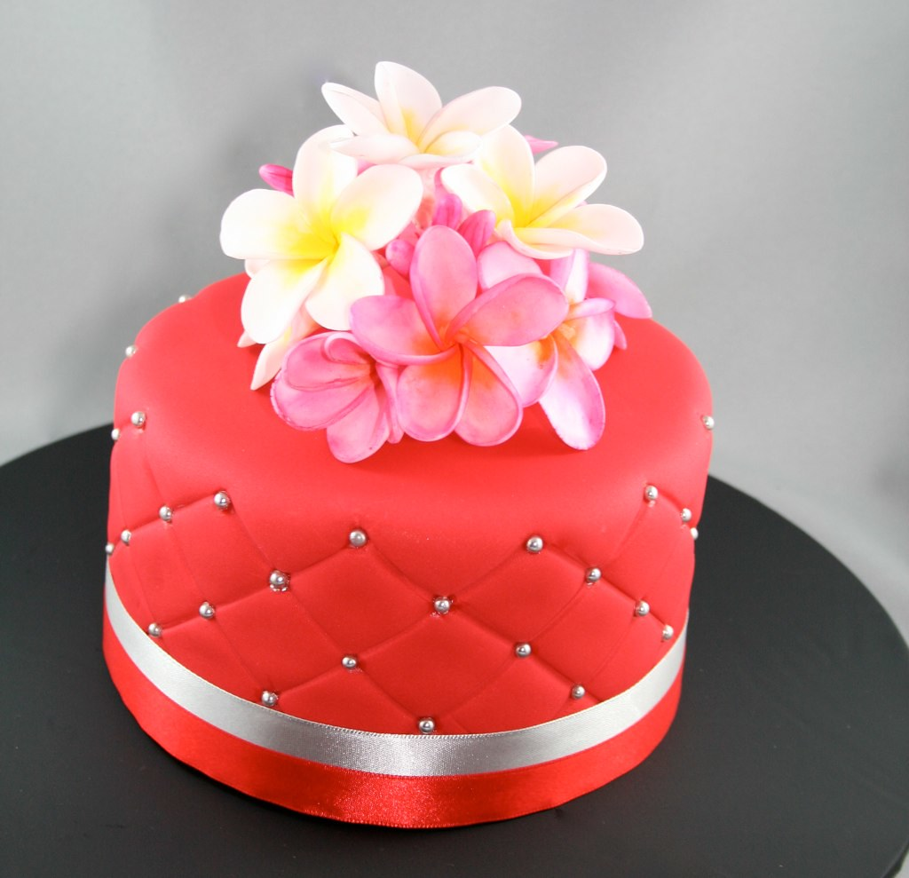 Frangipani flower cake This cake contains a delicious red …