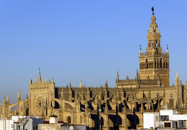 Giralda y Catedral de Sevilla  Flickr - Photo Sharing!