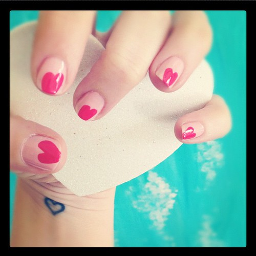 Sneaky peeky at my Valentine's Day manicure. Full post + details see link below | by ...love Maegan