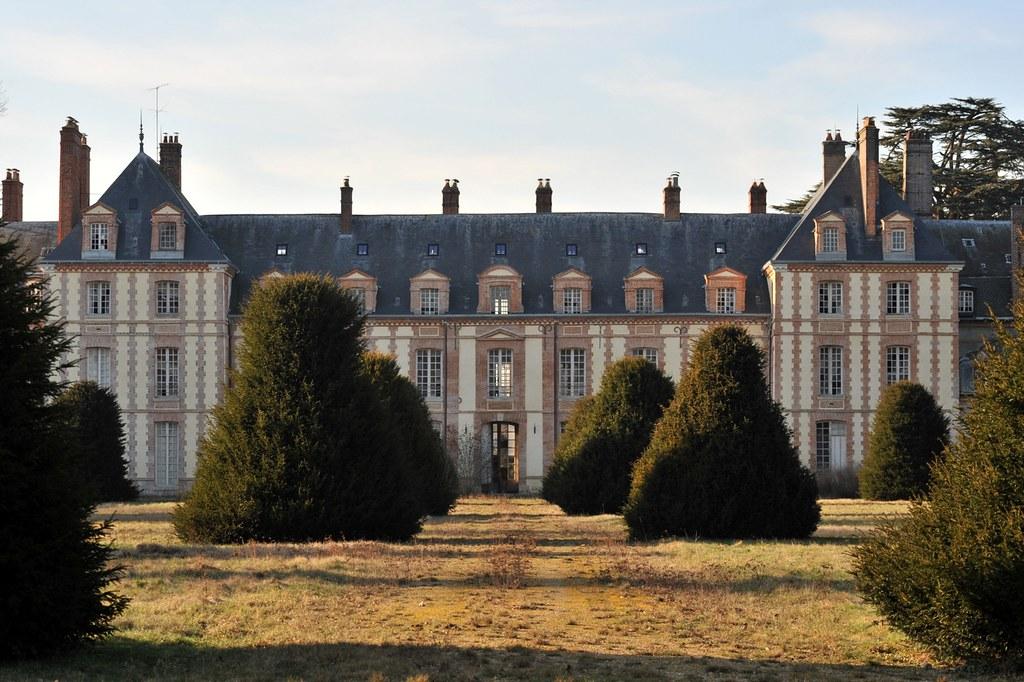 Fa ade est du ch teau d 39 abondant eure et loir abondant e flickr - Brocante chateau du loir ...
