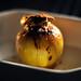 Bagt æble med kanel og marcipan