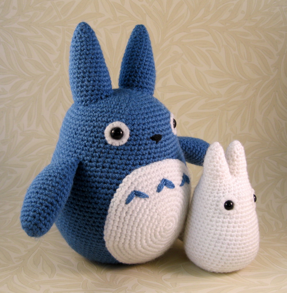 Totoro Azul Amigurumi : Blue and white totoro quot tall with