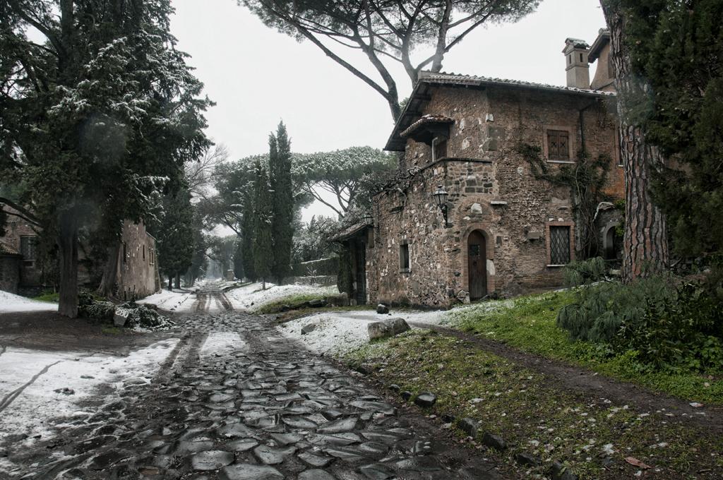 Beata solitudo via appia antica la nevicata dell 39 11 for Cioccari arredamenti via appia