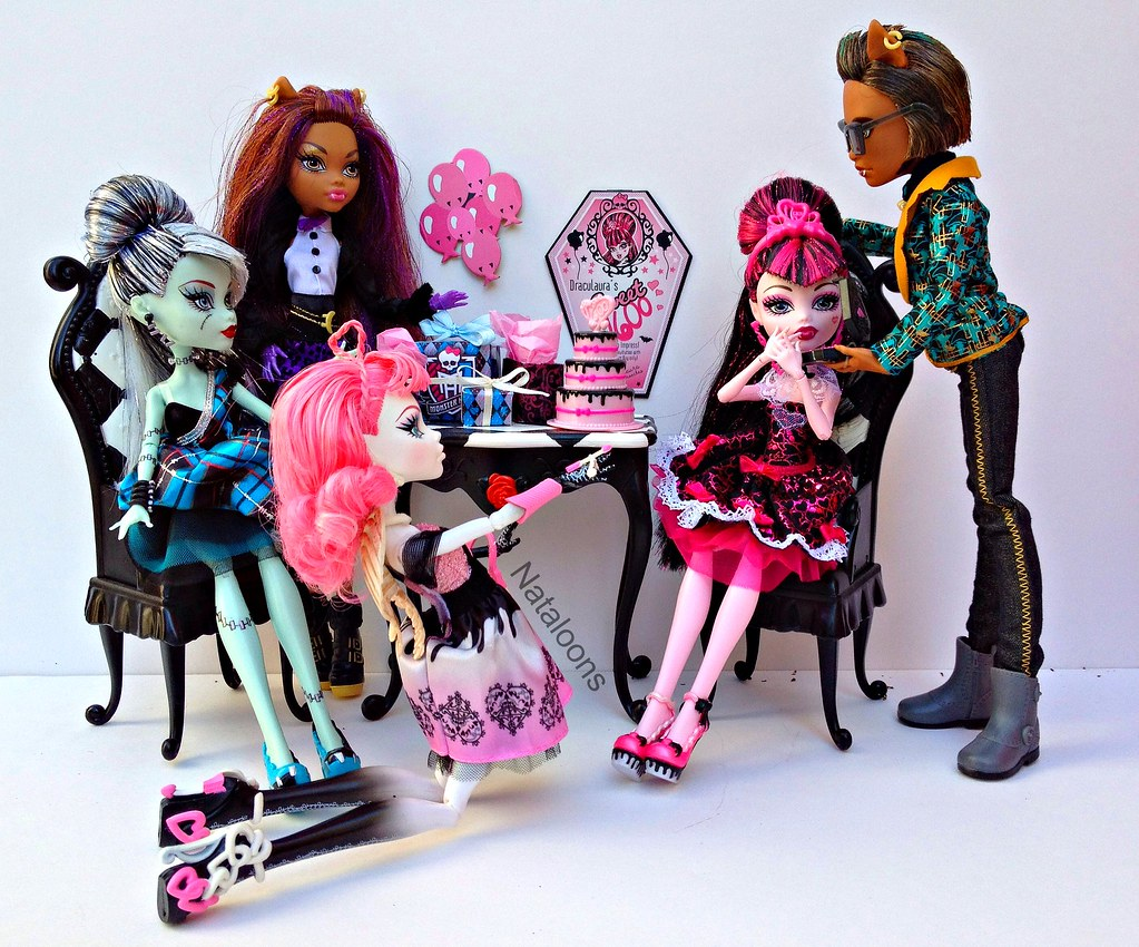 Monster High Sweet 1600 Frankie Clawdeen And Cupid Look