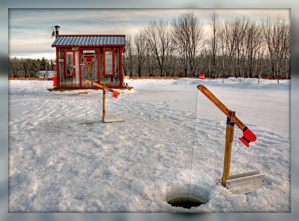 Le shack ice fishing hut cabane de p che sur glace flickr for Ice fishing hut