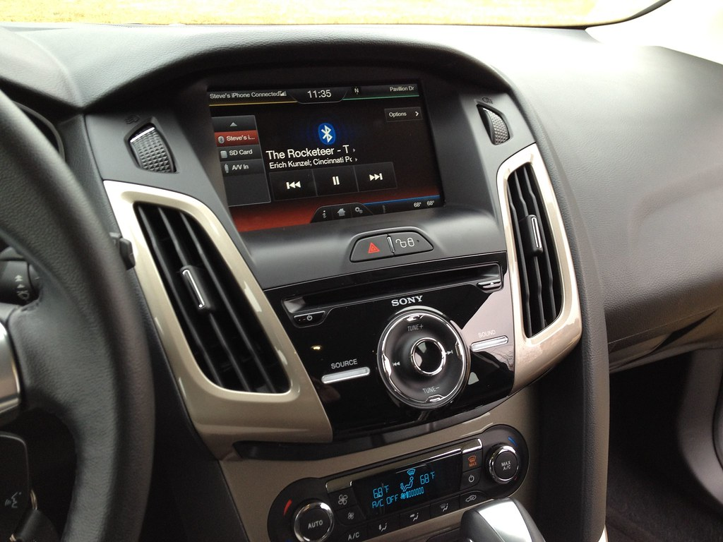 2012 ford focus sel automatic transmission a review of the flickr. Black Bedroom Furniture Sets. Home Design Ideas