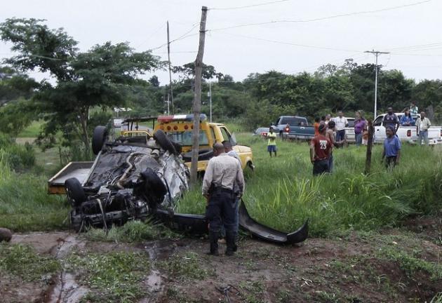 Joven de 21 años muere tras aparatoso accidente en la vía a la represa de Caruachi