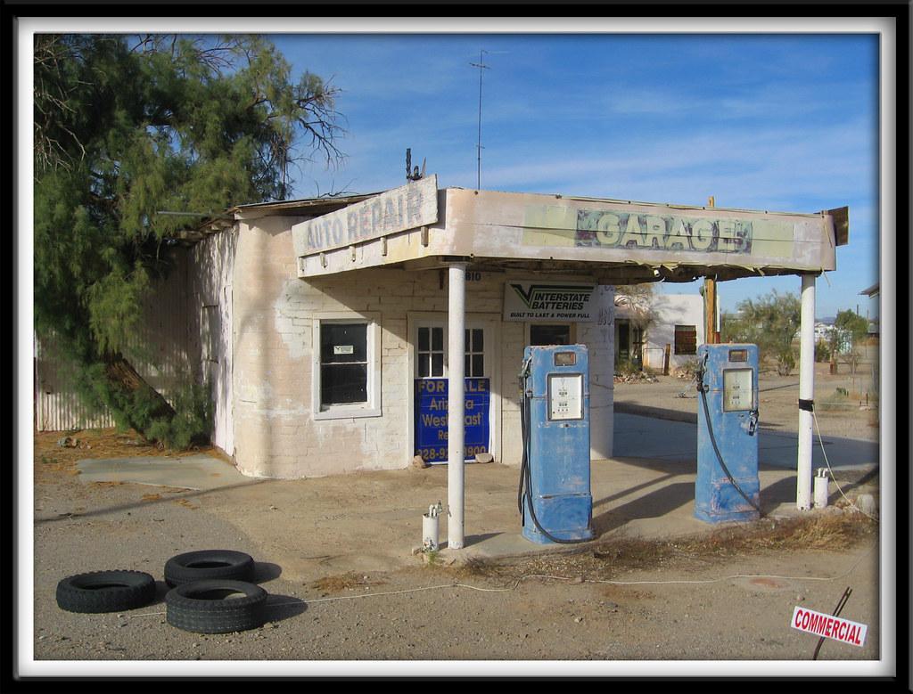 Gas Station Finder >> Garage | A beautiful old gas station in Quartzsite, Arizona.… | Flickr