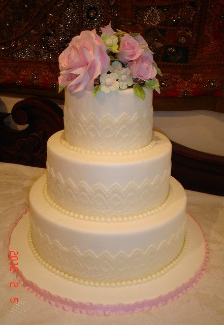 wedding cake pearls lace amp pearl wedding cake flickr photo 23400