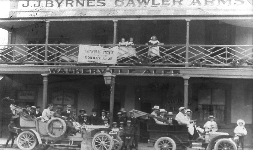 Gawler Arms Hotel, c1930s | Flickr - Photo Sharing!