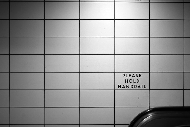 Please Hold Handrail Signs Please Hold Handrail